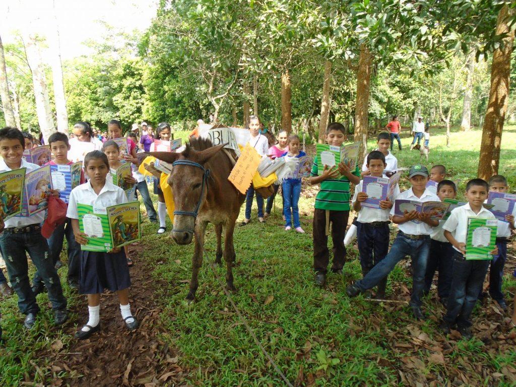 Biblioburro en Comunidad rural El Letrero Nueva Guinea